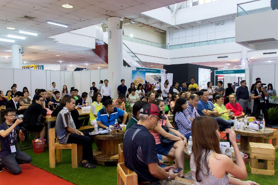 Crowd at the PH Expo KK 2017 <br />
